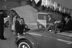 VW-Dealer-4-611840
